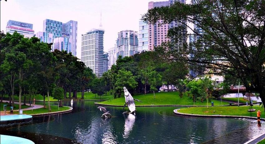 5 Parks to Take a Stroll at with your Family in Kuala Lumpur - KLCC Park