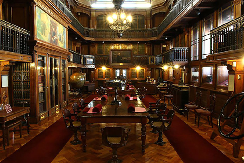 Visit the Chilean National Library on your holiday!