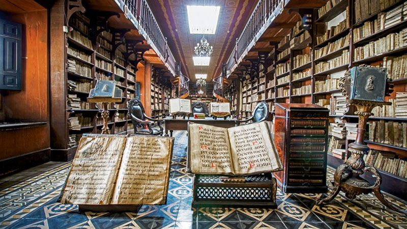 Visit the Monastery of San Francisco Library on your holiday